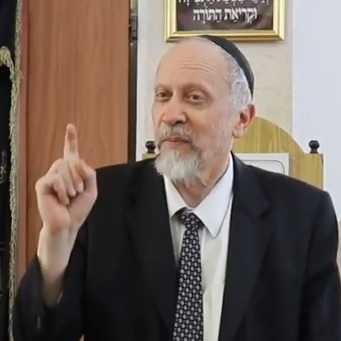 Picture of Rabbi Moshe Goldberger.